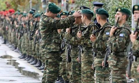 Στρατιωτική θητεία: Τι θα γίνει με τη στράτευση στα 18 – Τι απαντά ο Βίτσας