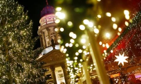 Χριστούγεννα 2016: Οι μεγαλύτερες πόλεις του κόσμου φόρεσαν τα καλά τους! (pics)