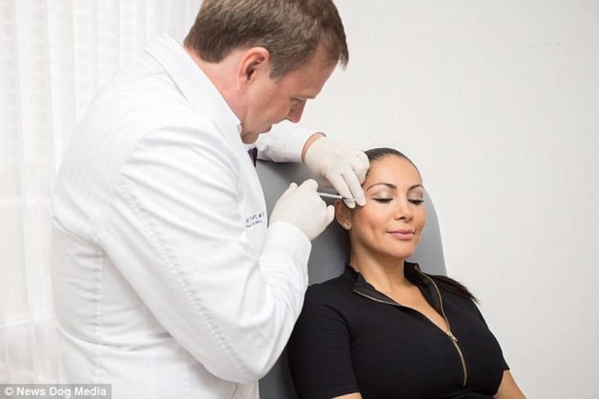 Δείτε πώς ήταν και πώς… μεταμόρφωσε τη γυναίκα του ένας πλαστικός χειρουργός (pics)