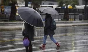 Καιρός: Χαμηλές θερμοκρασίες και βροχές την Παρασκευή (25/11) - Αναλυτική πρόγνωση