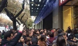Black Friday στην Ελλάδα: Η φωτογραφία που έγινε viral
