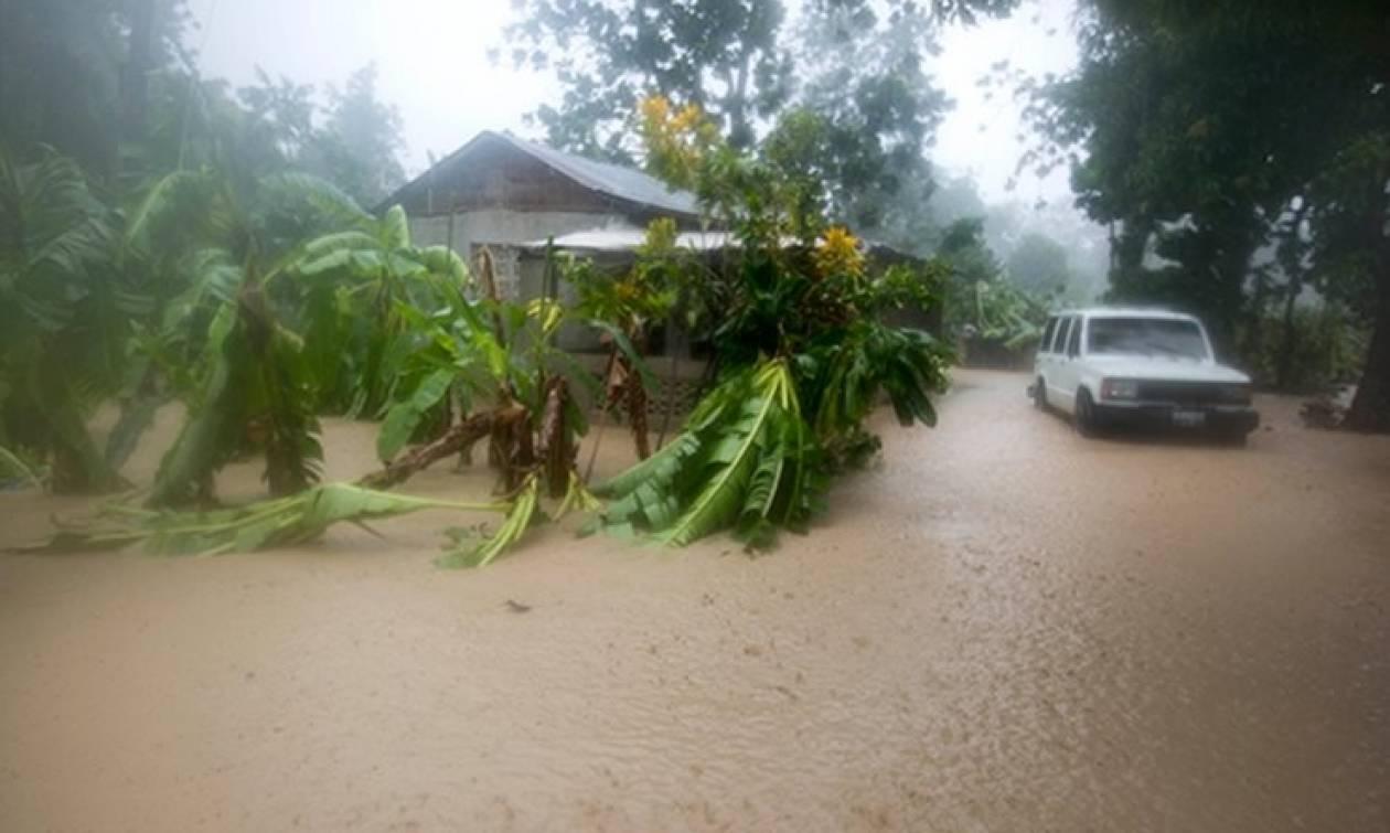 Κόστα Ρίκα: Τουλάχιστον 4 νεκροί μετά το πέρασμα του κυκλώνα Ότο (videos)
