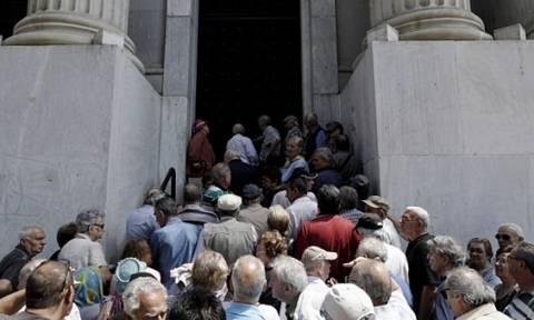Πανικός στην Ιταλία: Αδειάζουν τους τραπεζικούς λογαριασμούς τους ενόψει δημοψηφίσματος