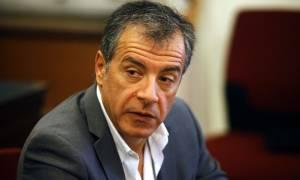Θεοδωράκης για Τσίπρα: Δεν μπορείς να είσαι και με τον Κάστρο και με την Μέρκελ