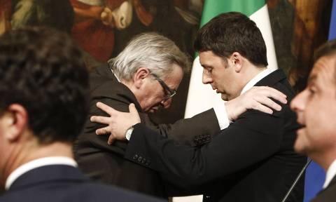 Ιταλία: Απρόσμενη στήριξη Γιούνκερ σε Ρέντσι εν όψει του ιταλικού δημοψηφίσματος