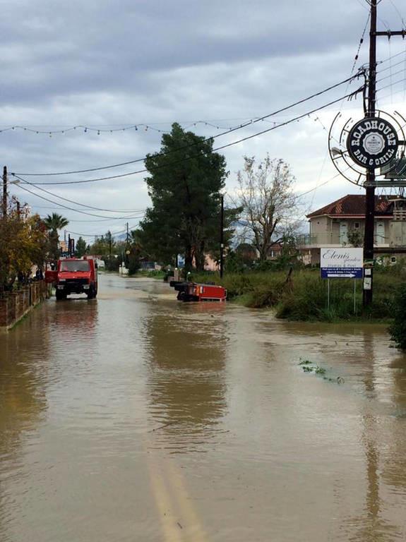 Κακοκαιρία: Οι πλημμύρες «έπνιξαν» τη Ζάκυνθο (pics)