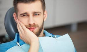 Νέα έρευνα: Ο κίνδυνος στυτικής δυσλειτουργίας φαίνεται στα δόντια