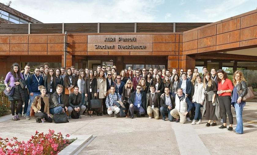 Οι συμμετέχοντες της Σχολής Επιχειρηματικότητας κατά τη διάρκεια της επίσκεψής τους στην Αμερικανική Γεωργική Σχολή της Θεσσαλονίκης