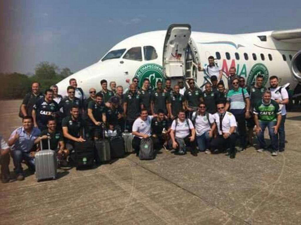 Κολομβία: Σοκάρει η φωτογραφία των ποδοσφαιριστών μπροστά από το μοιραίο αεροσκάφος