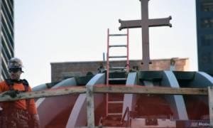 Τελετή τοποθέτησης του σταυρού στο ναό του Αγίου Νικολάου στο Σημείο Μηδέν (pics+video)