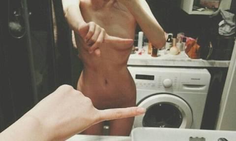 Η νέα σεξουαλική «τρέλα»: Πού βάζουν ολόγυμνοι το δάχτυλό τους και γιατί; (video+pics)