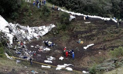 Βρέθηκαν τα «μαύρα κουτιά» του αεροσκάφους που συνετρίβη στην Κολομβία (pic)