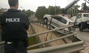 ΣΚΛΗΡΕΣ ΕΙΚΟΝΕΣ: Φρικτό τροχαίο στην Πρέβεζα – Η μπάρα διαπέρασε το αυτοκίνητο (pics+vid)