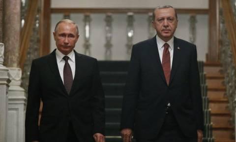 Προς κατάπαυση του πυρός στο Χαλέπι οδεύουν Ερντογάν και Πούτιν