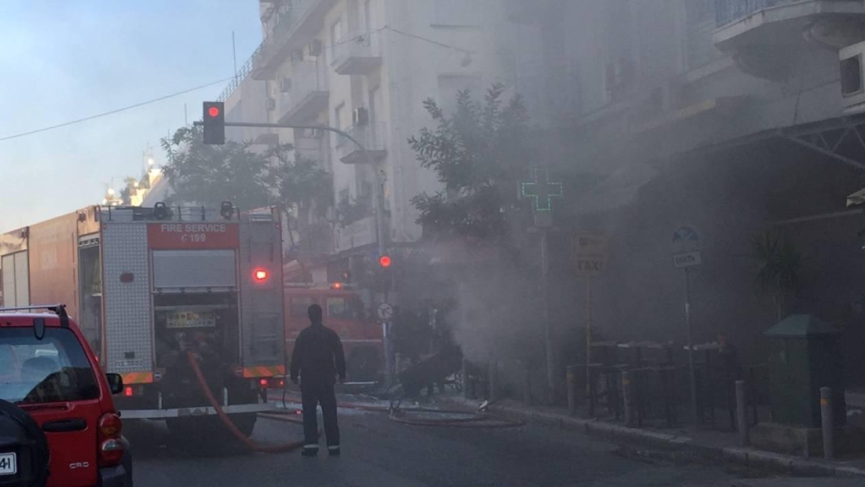 Έκρηξη στην πλατεία Βικτωρίας: Οι πρώτες φωτογραφίες από το σημείο