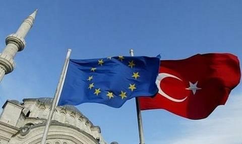Προσωρινό πάγωμα διαπραγματεύσεων με την Τουρκία ζητά η Ολλανδία