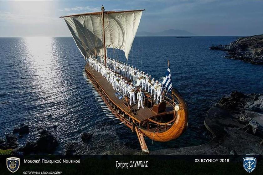 Επίσκεψη κοινού σε Πολεμικά Πλοία για τον εορτασμό του Αγίου Νικολάου στον Πειραιά