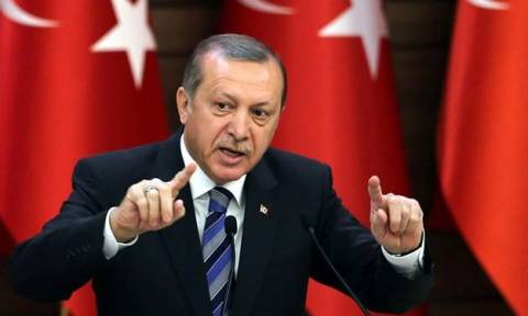 Έκκληση Ερντογάν: Μετατρέψτε τις καταθέσεις σας σε τουρκικές λίρες