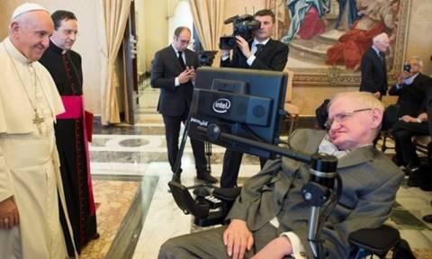 Ο Πάπας Φραγκίσκος… έστειλε στο νοσοκομείο τον Στίβεν Χόκινγκ! (video)