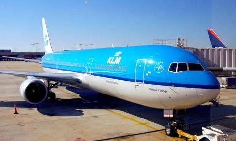 Τρόμος για 128 επιβάτες αεροπλάνου - Ο πιλότος υπέστη καρδιακή προσβολή την ώρα της απογείωσης