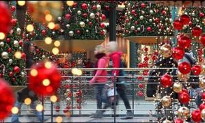 Χριστούγεννα 2016 - Πρωτοχρονιά 2017: Το εορταστικό ωράριο καταστημάτων σε Αθήνα και Θεσσαλονίκη