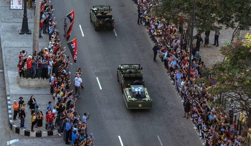 Κηδεία Φιντέλ Κάστρο: Δείτε εικόνα από την κηδεία του
