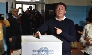 Δημοψήφισμα Ιταλία: Αποχή - ρεκόρ λίγες ώρες πριν κλείσουν οι κάλπες