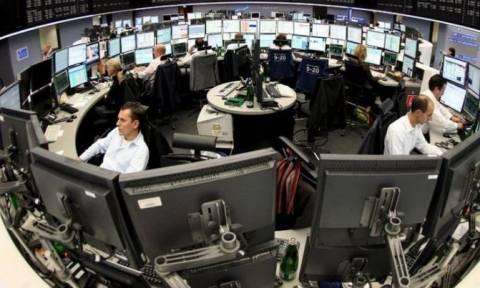 Ευρωπαϊκά χρηματιστήρια: «Προσπέρασαν» την Ιταλία - Μαζεύει τις απώλειες το ευρώ