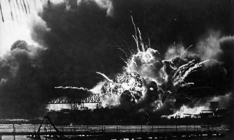 Σαν σήμερα το 1941 οι Ιάπωνες καταστρέφουν την αμερικανική ναυτική βάση του Περλ Χάρμπορ