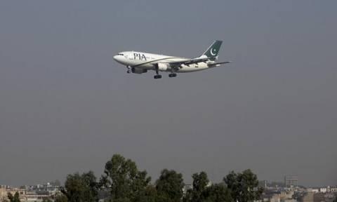 Συντριβή αεροπλάνου Πακιστάν: Διάσημος τραγουδιστής ανάμεσα στους επιβάτες της μοιραίας πτήσης