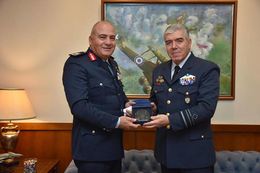 O Αιγύπτιος αρχηγός Αεροπορικής Εκπαίδευσης της στο ΓΕΑ και στη Σχολή Ικάρων (pics)