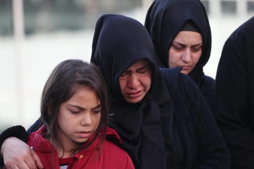 Κωνσταντινούπολη: Οργή και θρήνος στην κηδεία των αστυνομικών (Pics)