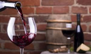 Αλκοόλ & υγεία οστών: Ποιο είδος και σε ποια ποσότητα σας ωφελεί