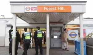 Επίθεση με μαχαίρι στο μετρό του Λονδίνου: «Θέλω να σκοτώσω μουσουλμάνο» φώναζε ο δράστης (vid)