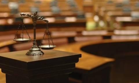 Πόλεμος ανακοινώσεων μεταξύ των δικαστικών