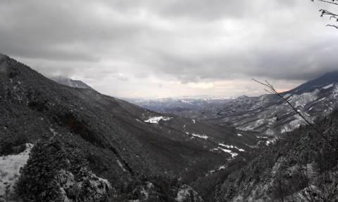 Καιρός για… Τρίτη και 13 με ραγδαία πτώση της θερμοκρασίας, χιόνια και πολλά μποφόρ (pics)