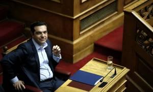 Τσίπρας εναντίον Τόμσεν: Λεονταρισμοί για τους μέσα και έντιμος συμβιβασμός για τους έξω