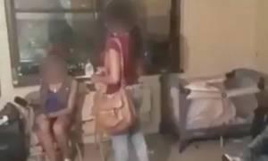Μητέρα έπιασε κορίτσι να κάνει στοματικό στο γιο της! Δεν φαντάζεστε ποια ήταν η αντίδρασή της (vid)