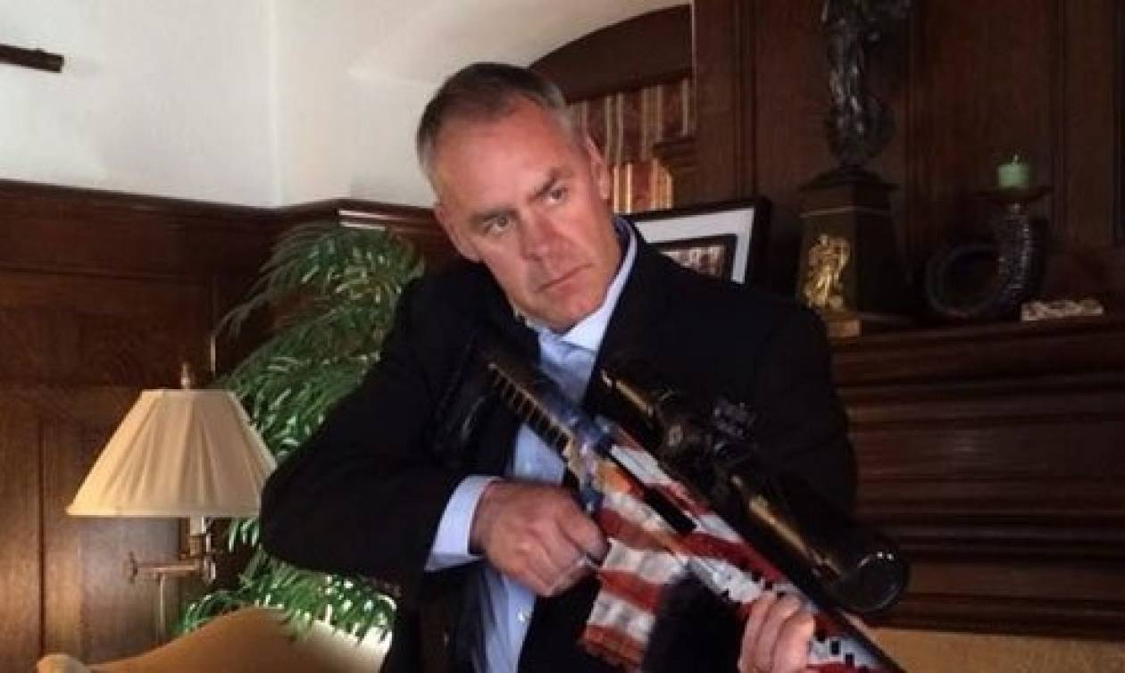 ΗΠΑ: Νέος υπουργός Εσωτερικών ο διοικητής των ειδικών δυνάμεων Navy SEALs (Vid)