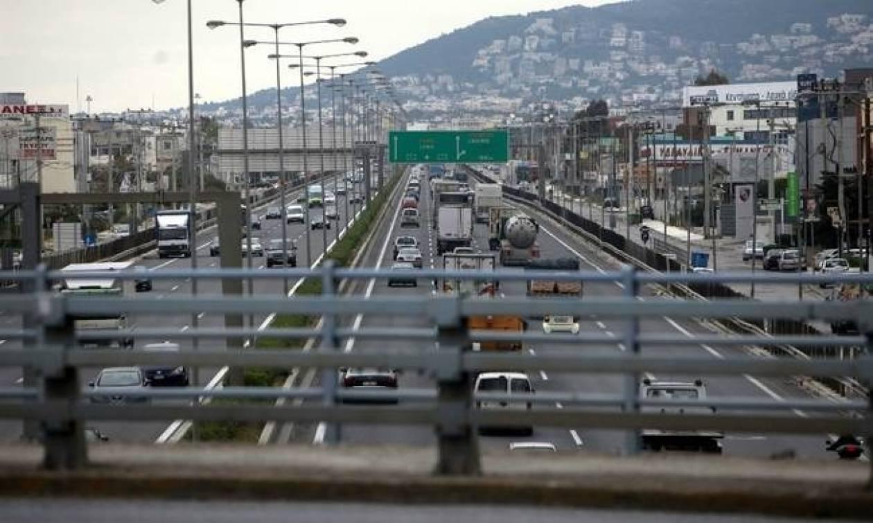 ΤΩΡΑ: Κυκλοφοριακό χάος στον Κηφισό λόγω τροχαίου