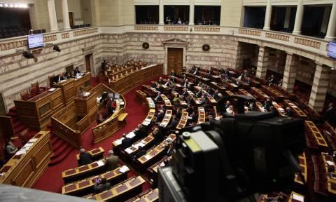 Υπερψηφίστηκαν τα «δώρα Τσίπρα» στους συνταξιούχους