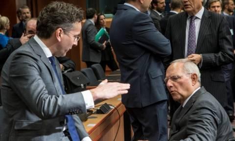 MNI: «Άδειασμα» Κομισιόν σε Ντάισελμπλουμ για το «πάγωμα» των μέτρων ελάφρυνσης του ελληνικού χρέους