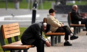 ΤΩΡΑ ψαλίδι 50% στο ΕΚΑΣ, δώρον άδωρον το επίδομα Τσίπρα