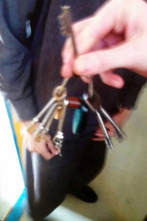 Σκηνές χάους: Στα χέρια των τροφίμων οι φυλακές του Μπέρμιγχαμ (pics)