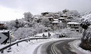 Snow falling in Pilio and the Centaurs Mountain
