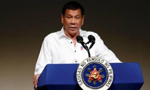 Ντουτέρτε προς ΗΠΑ: Ετοιμαστείτε να εγκαταλείψετε τις Φιλιππίνες