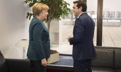 DW: Υπόσχεση Τσίπρα για αποστολή δεδομένων στη Γερμανία
