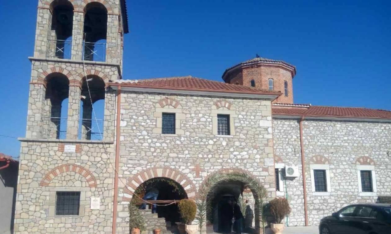 Τρίκαλα: Ιερόσυλοι διέρρηξαν εκκλησία και πήραν 10 ευρώ!