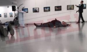 Συγκλονιστικό βίντεο: Η αντίδραση της γυναίκας του Αντρέι Καρλόφ όταν μαθαίνει για τη δολοφονία του