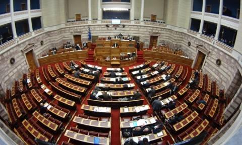 Βουλή: Ψηφίστηκαν τα άρθρα και οι τροπολογίες του πολυνομοσχεδίου